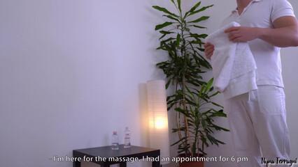 Сочный анал с грудастой брюнеткой после массажа
